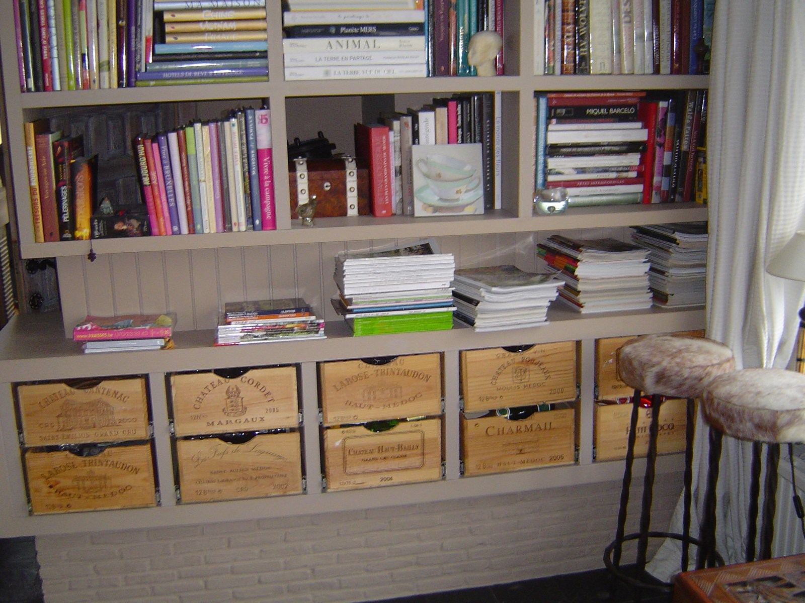 Meuble en mdf tiroirs caisses de vin - Meuble avec caisse de vin en bois ...